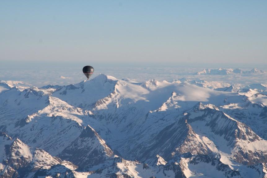 Winterballonfahrt Alpen