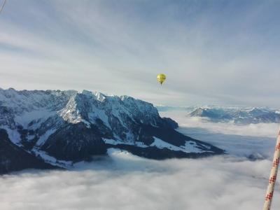 Ballonfahrten alpen winter